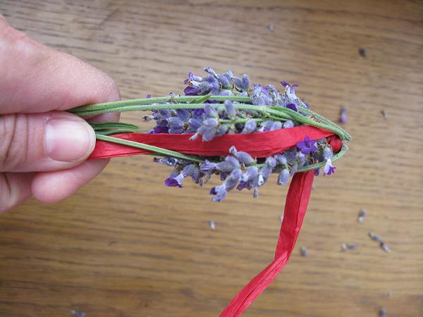 Lavender wand making 21