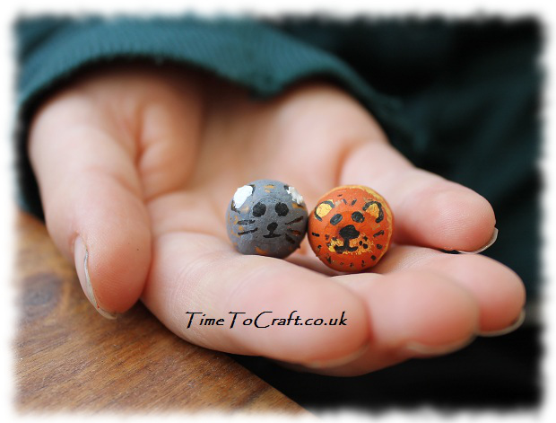 cat and mouse acorn craft
