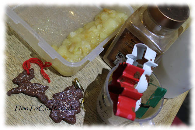 making apple and cinnamon decorations