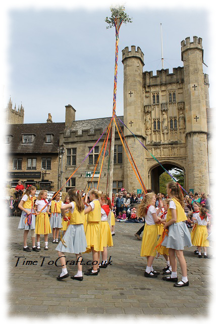 maypole weaving