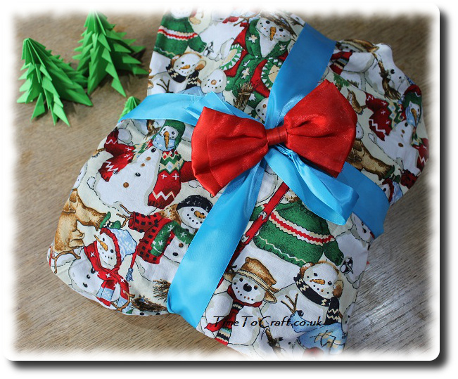 pilllow case gift wrapping