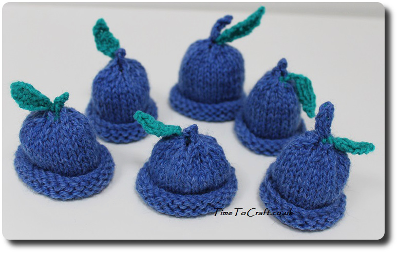 blueberry Innocent drink mini hats group