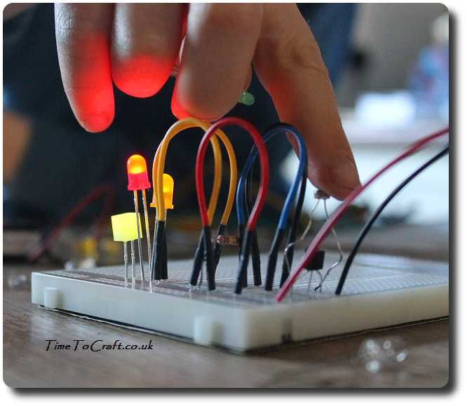lighting up electronic circuit STEM Education activity