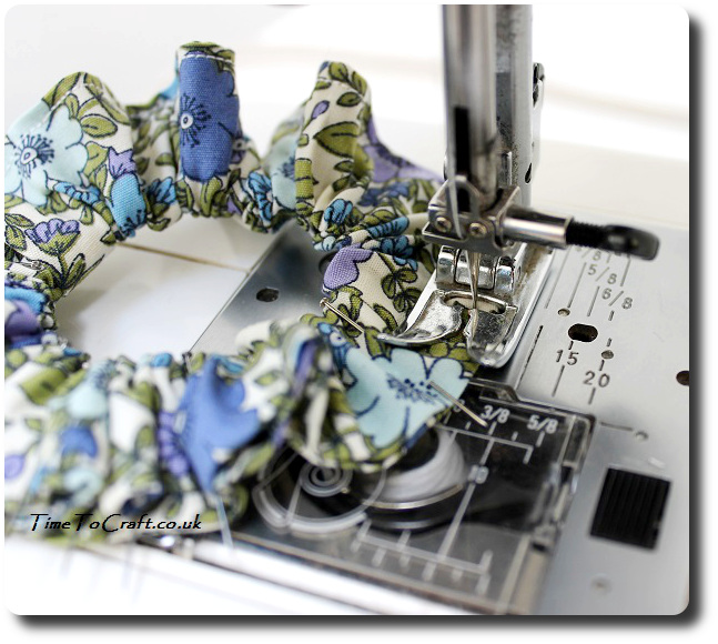 how to make a scrunchy hair band sewing