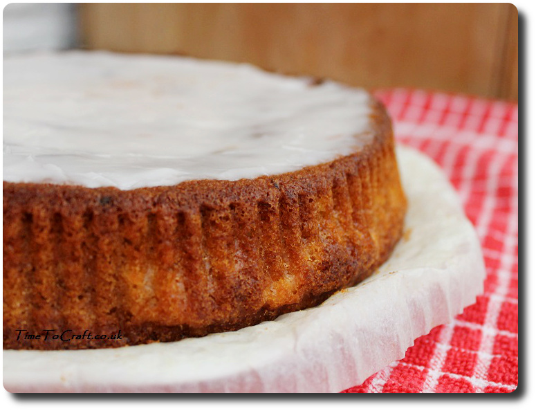grapefruit cake with icing