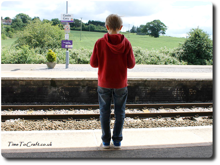 on castle cary railway station