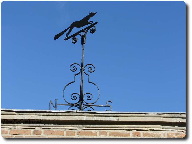 fox-weather-vane