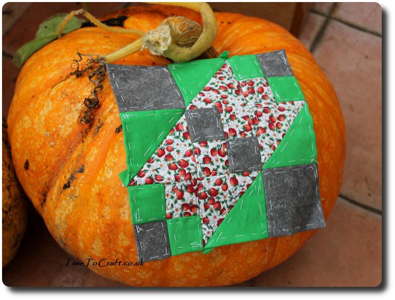 broken-sugar-bowl-quilt-block-and-pumpkin