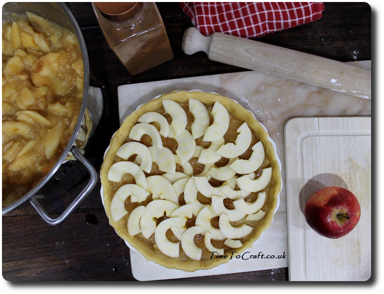 making-apple-pie