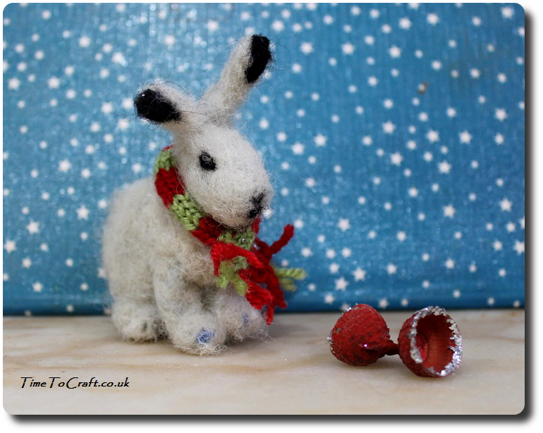 needle-felted-snow-hare-side