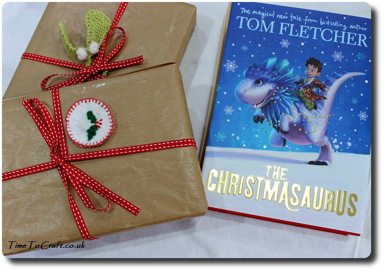 wrapping-books-for-christmas
